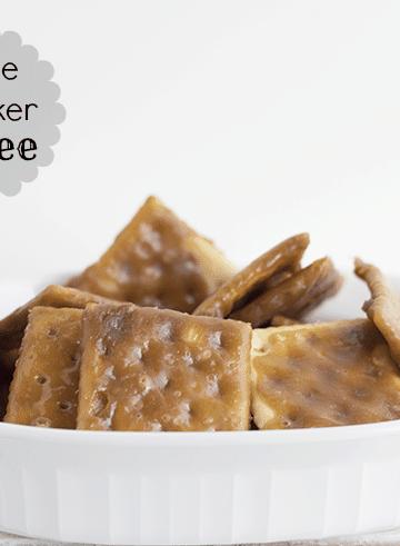 Saltine Cracker Toffee - Cookie Dough and Oven Mitt