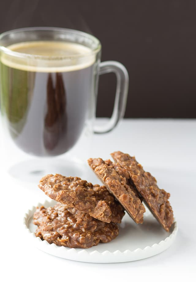 Mocha No Bake Cookies - delicious chocolate peanut butter no bake cookies with a couple teaspoons of coffee mixed in! They taste amazing!
