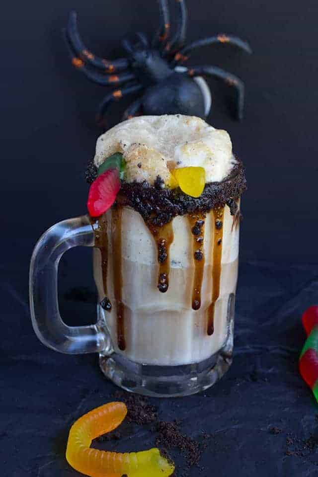 Dirt Cake Root Beer Float