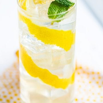 mint leaves floating on the lemonade cocktail